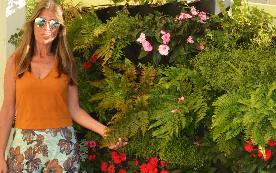 No jardim com… Carmen Ferreira